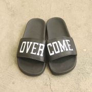 "Chinelo Overcome ""Script"" Preto"