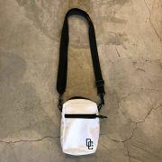 "Shoulder Bag Overcome ""Logo"" Branca"