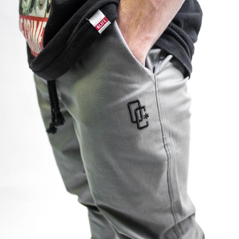 "Calça Jogger Overcome ""Logo"" Cinza"