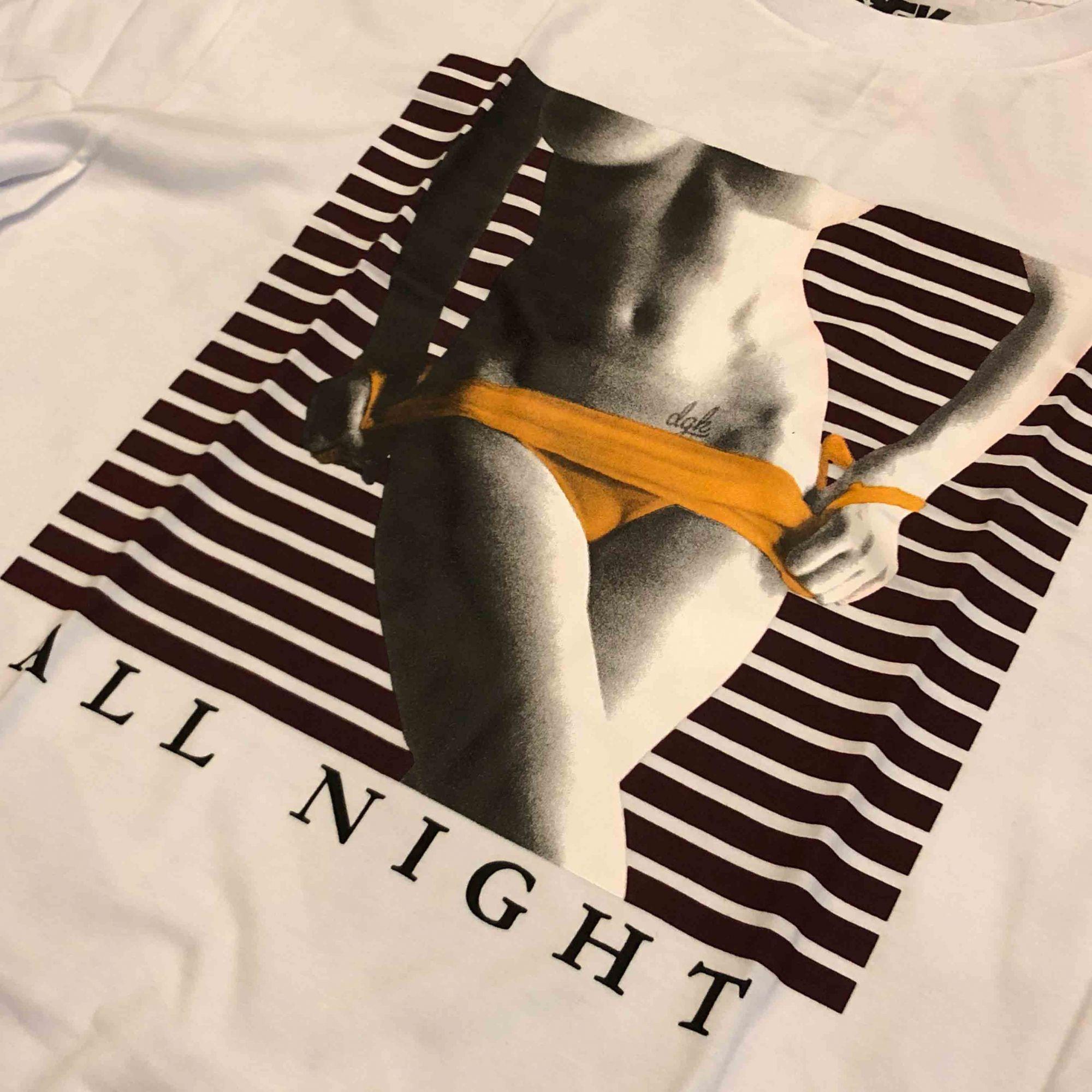 "Camiseta DGK ""All Night"" Branca"