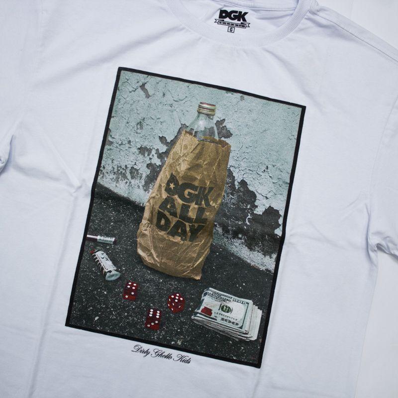 """Camiseta DGK """"Essentials"""" Branca"""