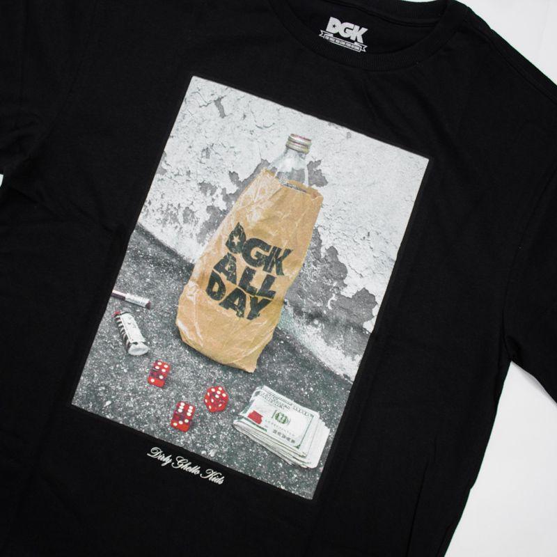 """Camiseta DGK """"Essentials"""" Preta"""