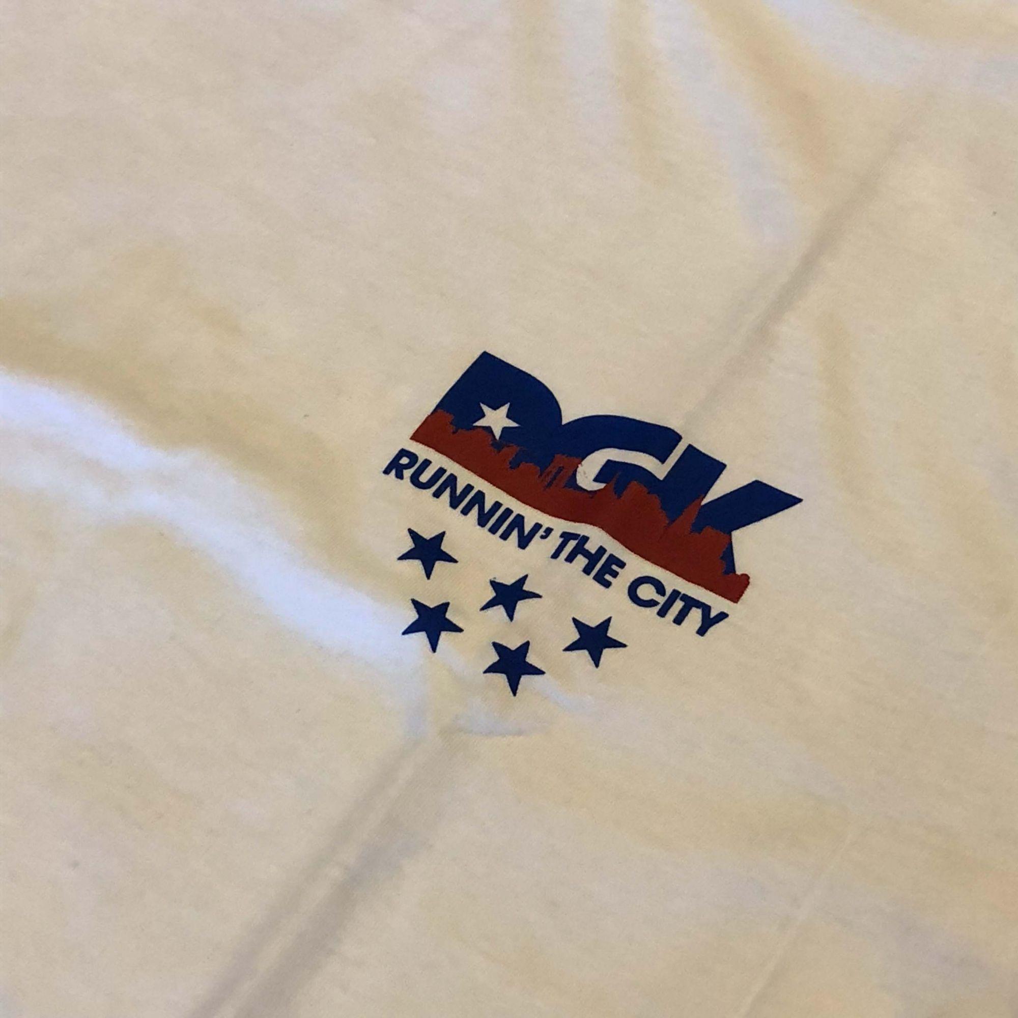"""Camiseta DGK """"Runnin"""" Branca"""