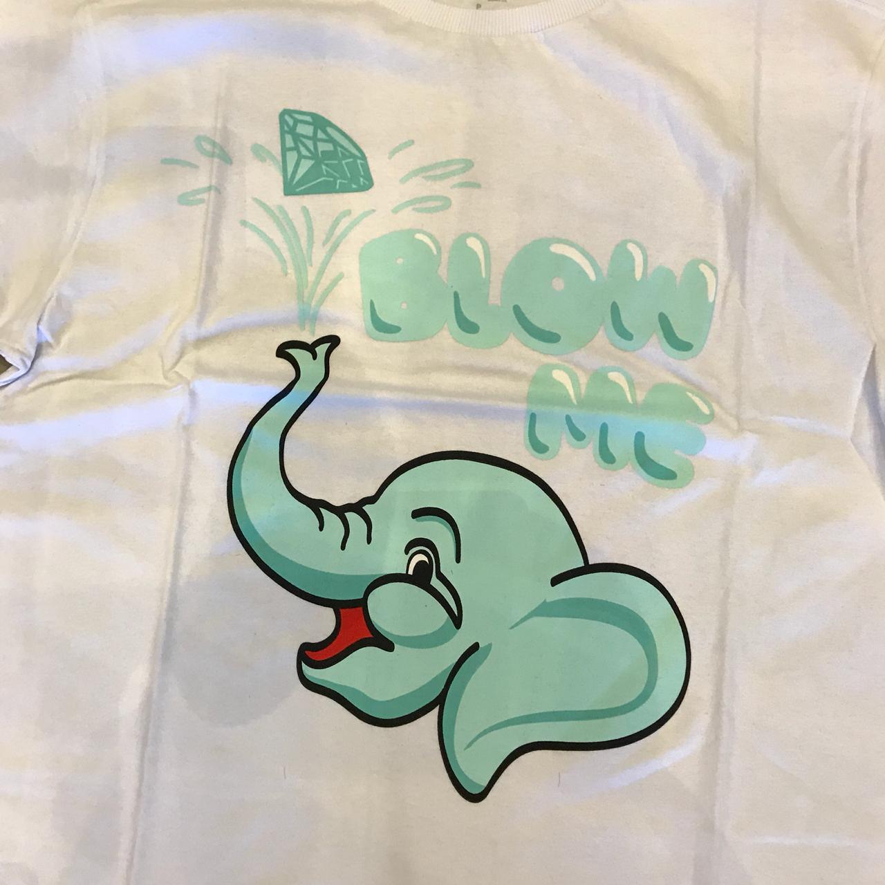 "Camiseta Diamond ""Blow Me"" Branco"