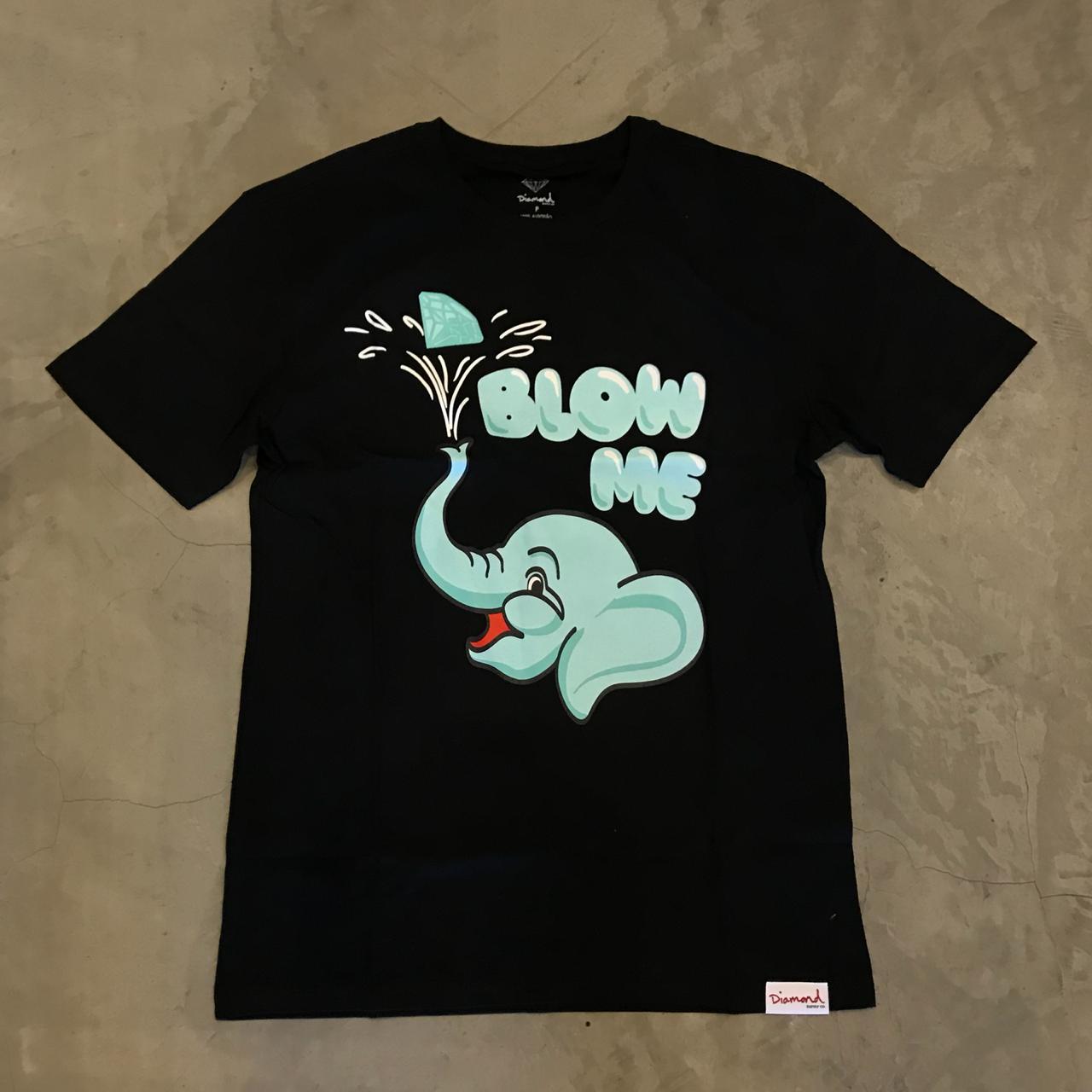 """Camiseta Diamond """"Blow Me"""" Preta"""