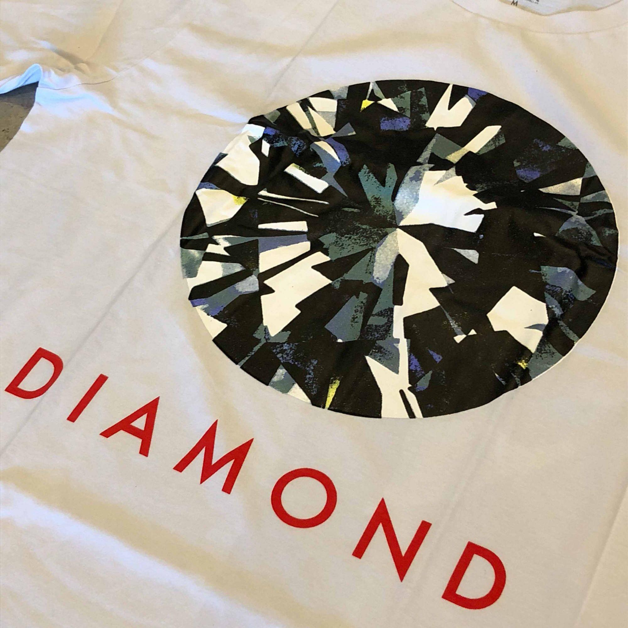 """Camiseta Diamond """"Bright"""" Branca"""