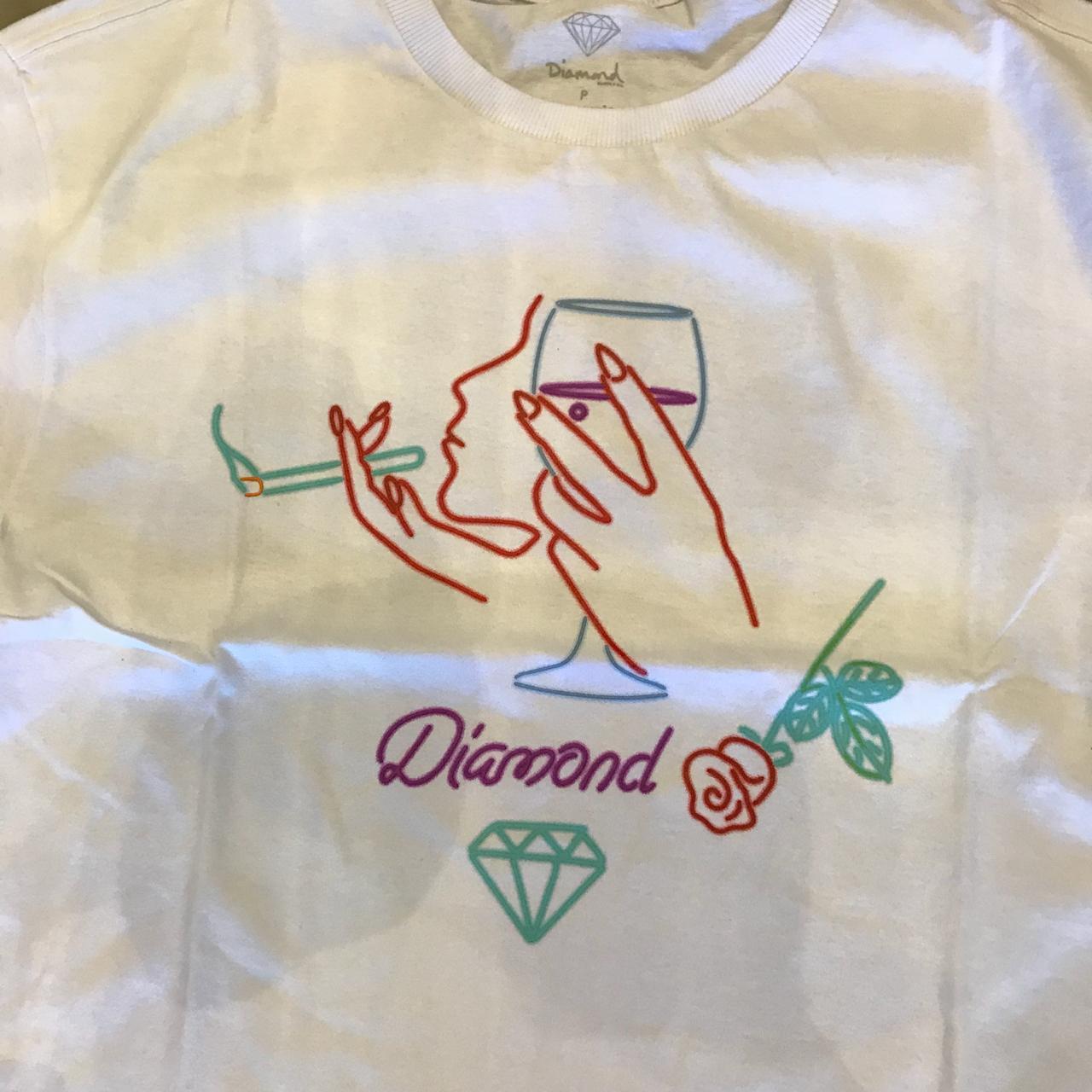 "Camiseta Diamond ""Vino"" Branca"