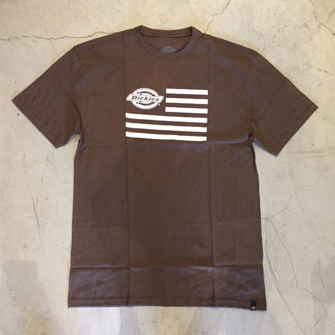 "Camiseta Dickies ""Logo Flag"" Marrom"