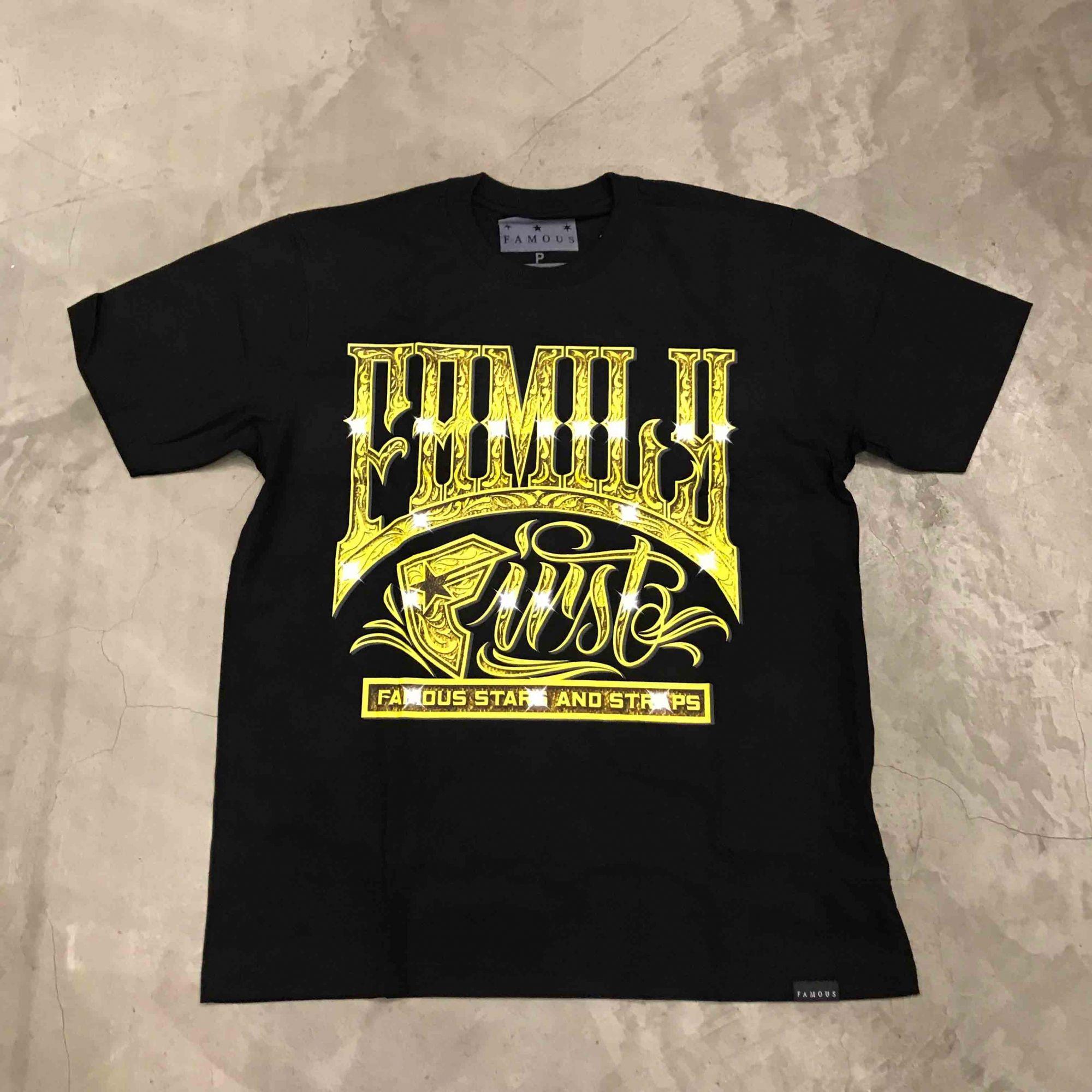 """Camiseta Famous """"Club Member"""" Preta"""