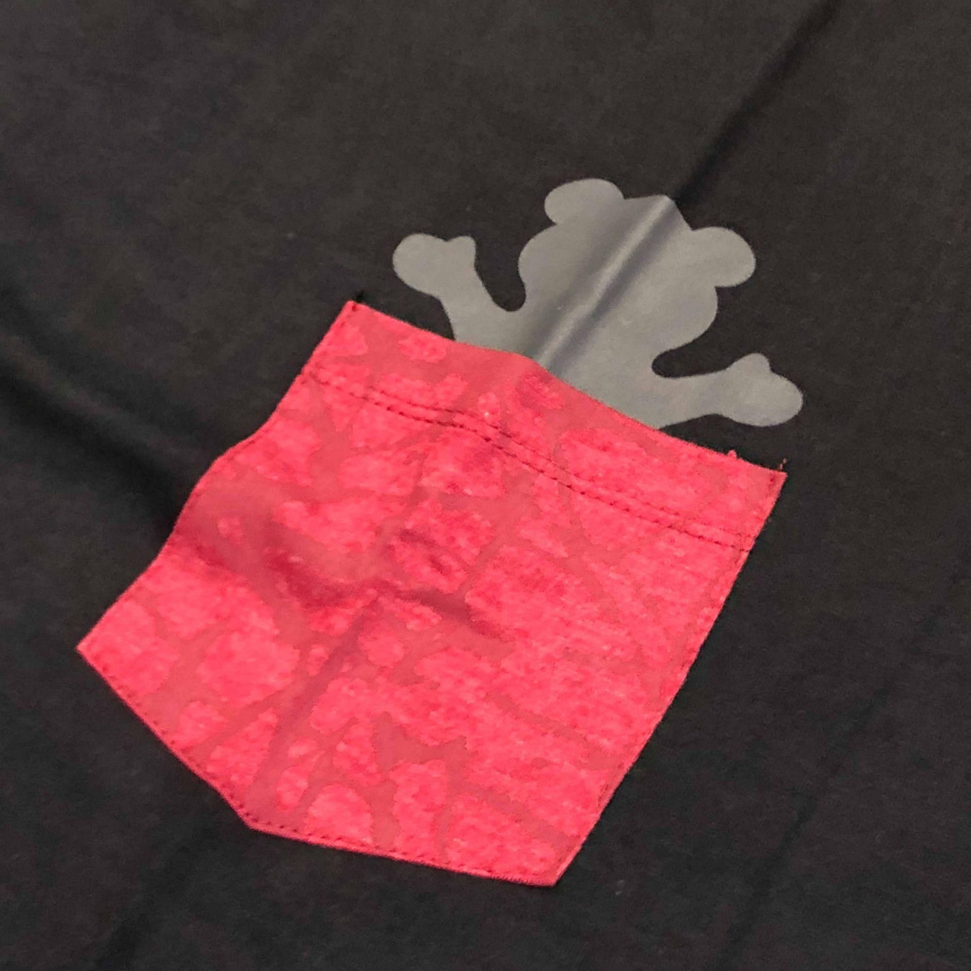 "Camiseta Grizzly ""Cement Pocket"" Preta"