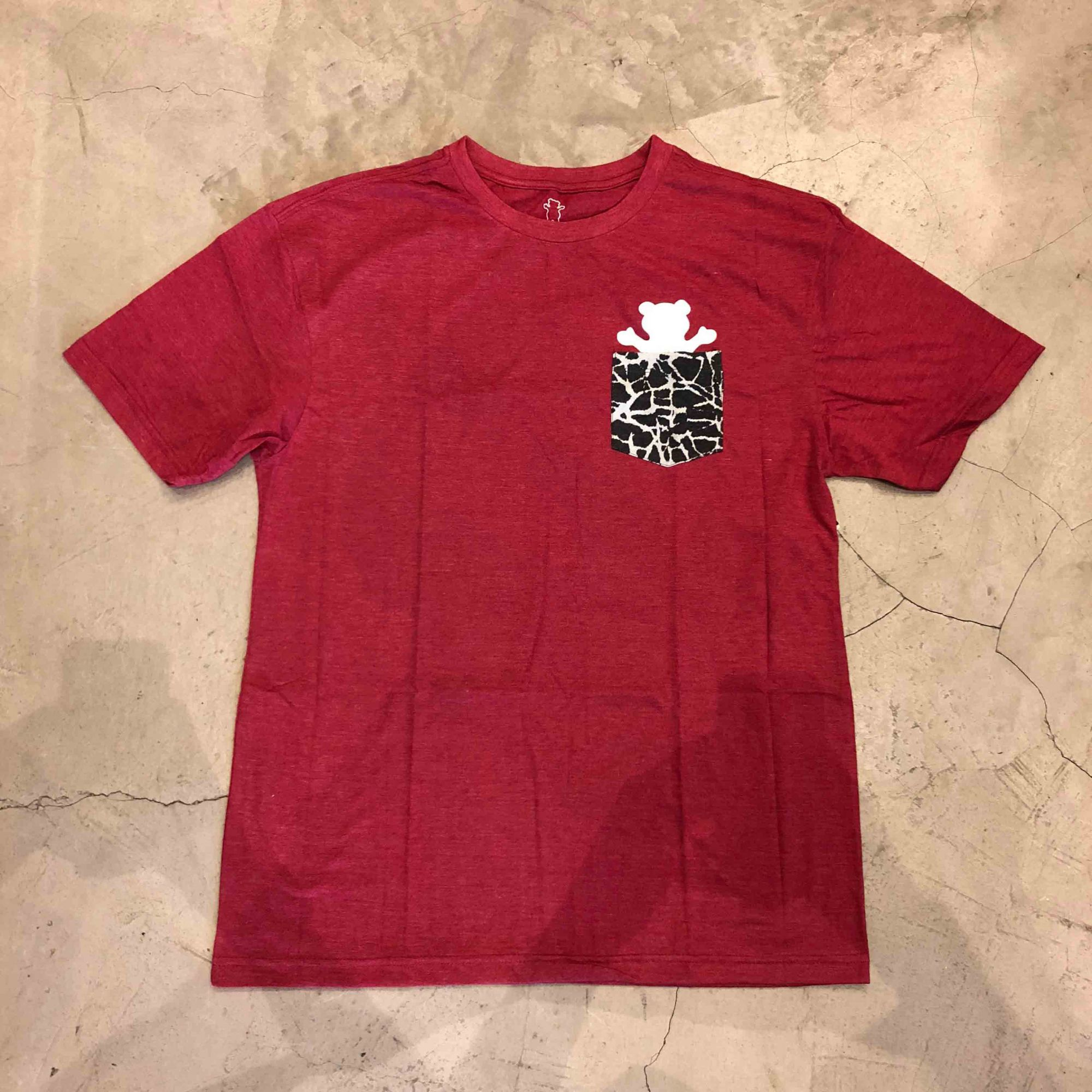 "Camiseta Grizzly ""Cement Pocket"" Vermelha"