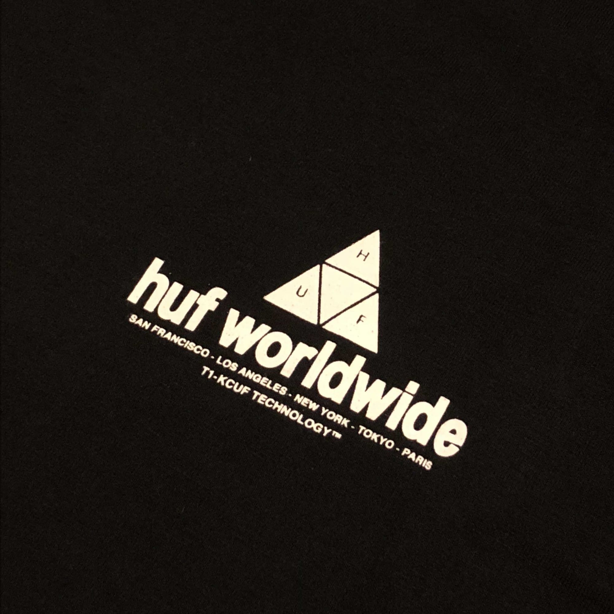 """Camiseta HUF """"PEAK"""" Preta"""