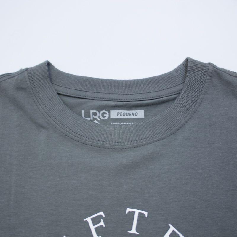 """Camiseta LRG """"Girafferari Petroleo"""" Chumbo"""