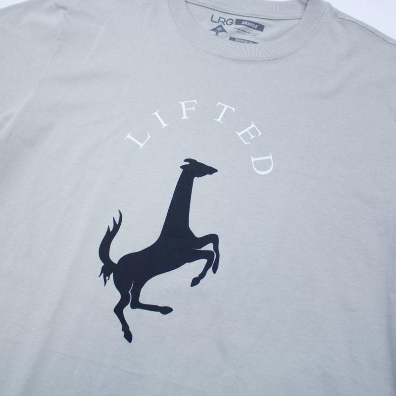 """Camiseta LRG """"Girafferari Petroleo"""" Cinza"""