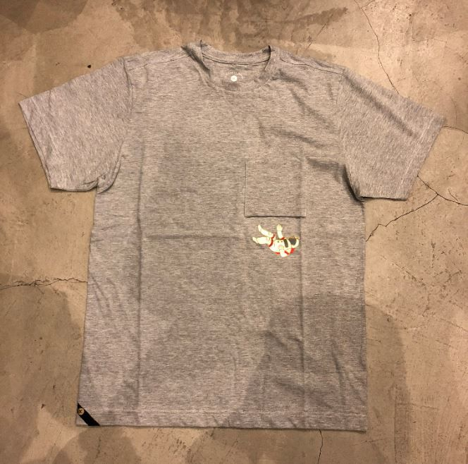 "Camiseta Other Culture "" Astronaut "" Cinza"