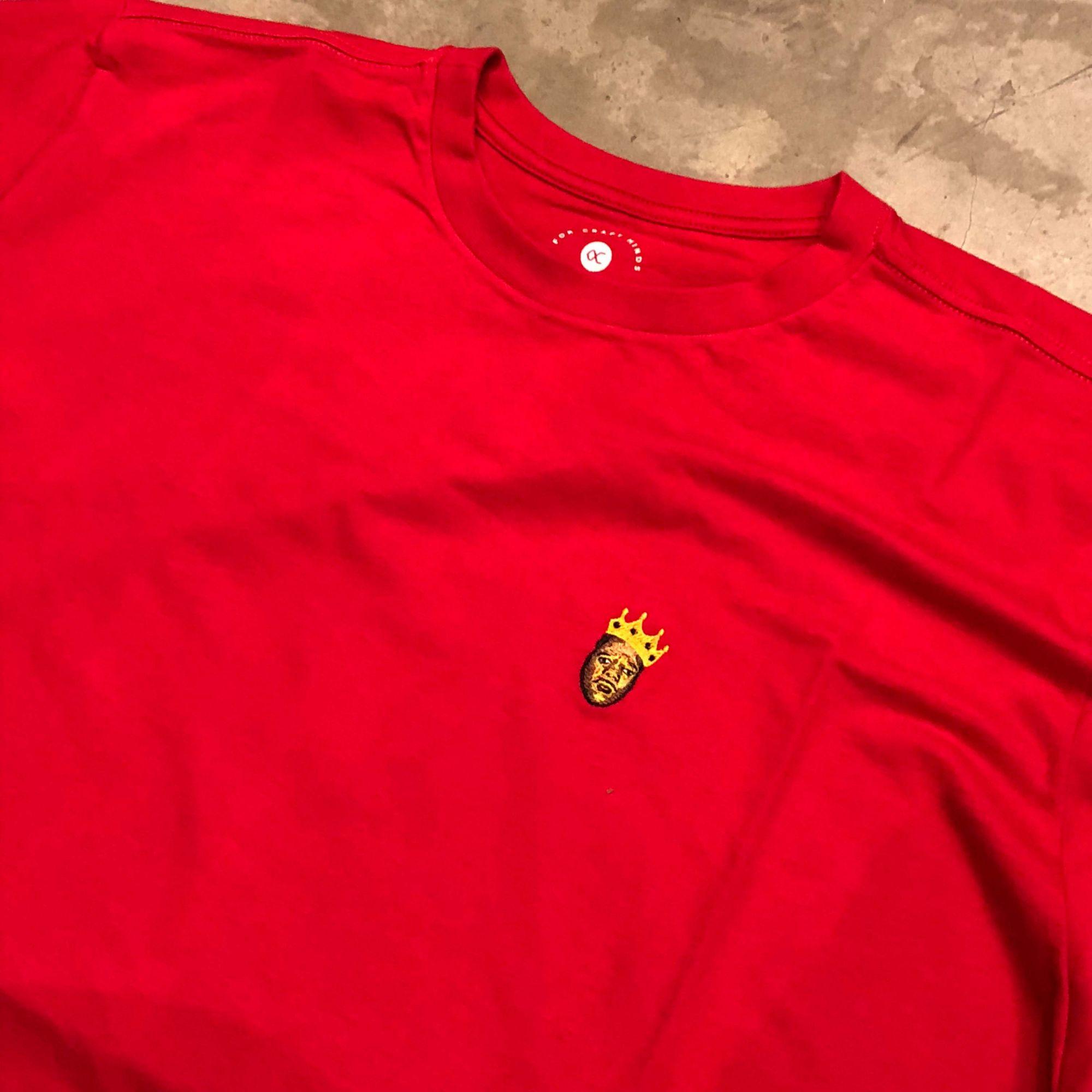 "Camiseta Other Culture "" Notorious "" Vermelha"