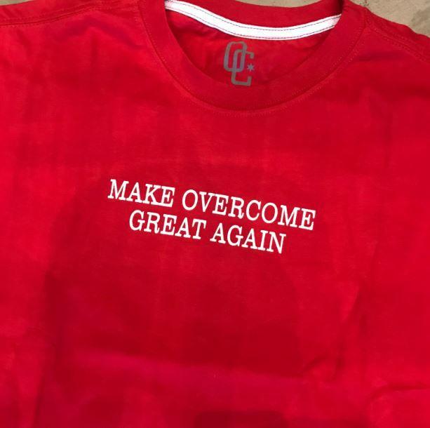 "Camiseta Overcome ""Make Overcome Great Again"" Vermelho"