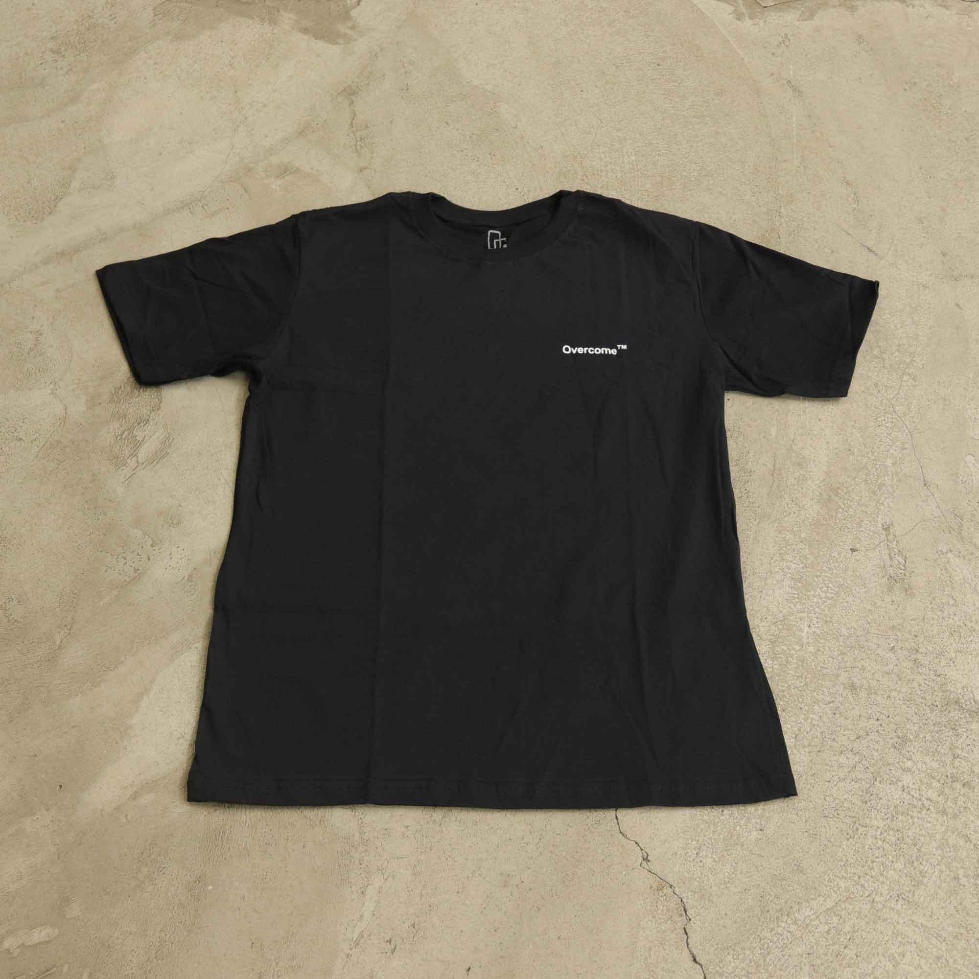 """Camiseta Overcome """"Mini Script"""" Preta"""
