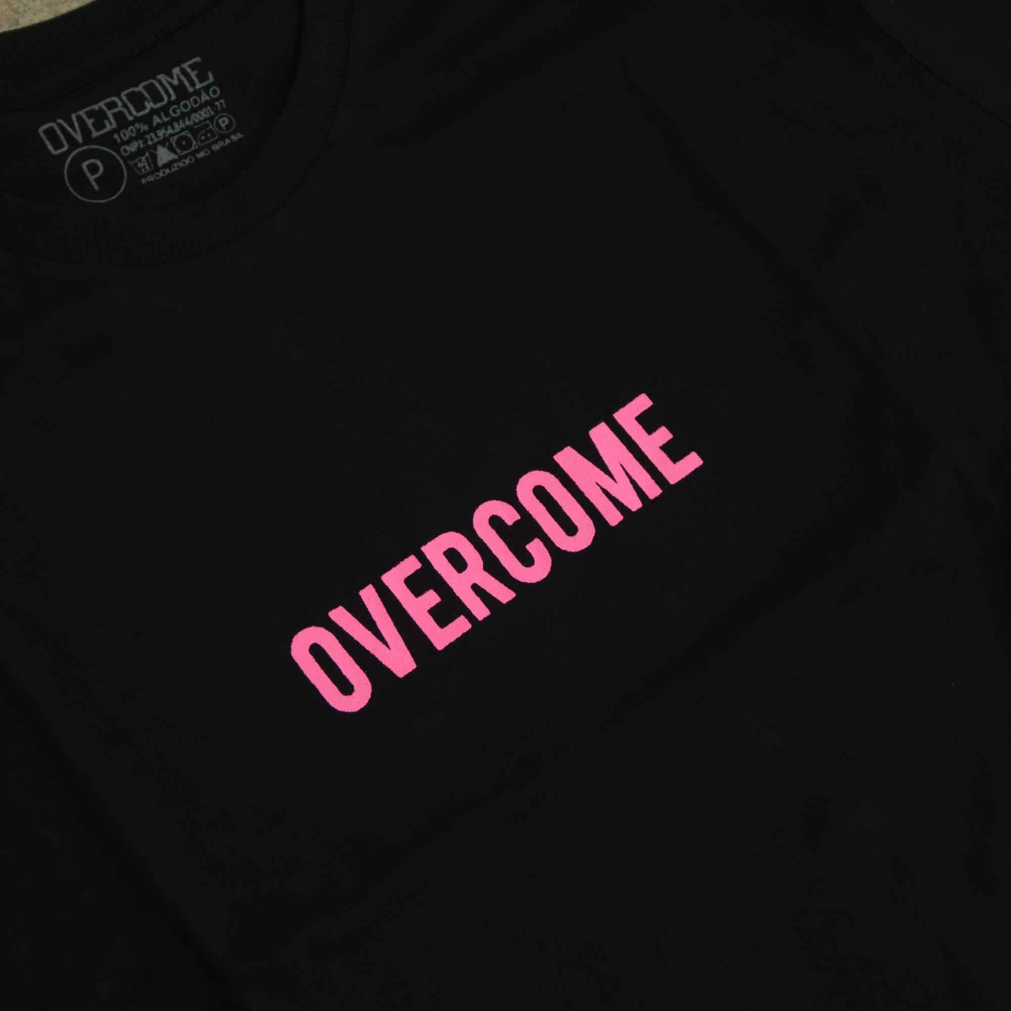 "Camiseta Overcome ""Logobox"" Preta/Rosa"