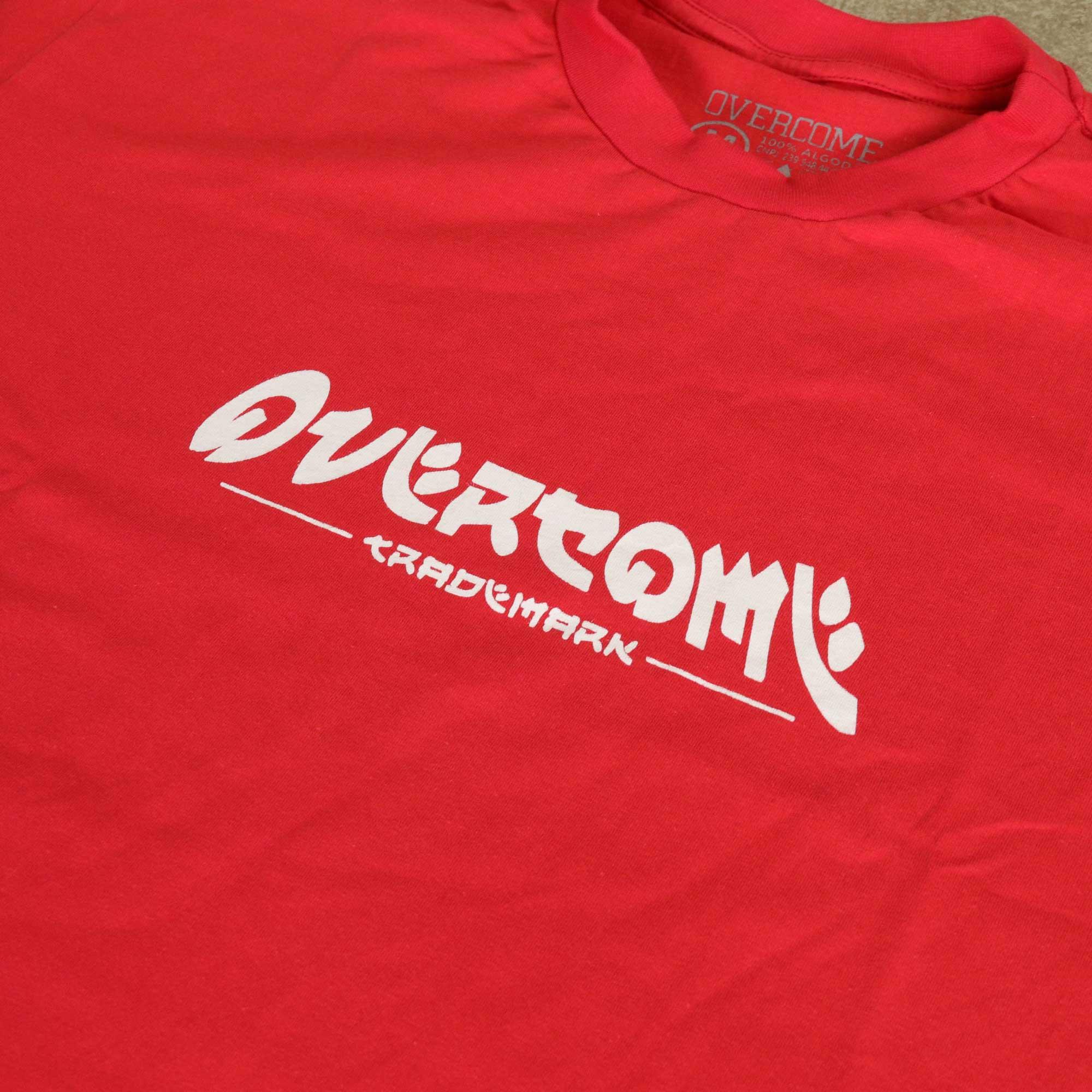 "Camiseta Overcome ""New Trademark"" Vermelha"