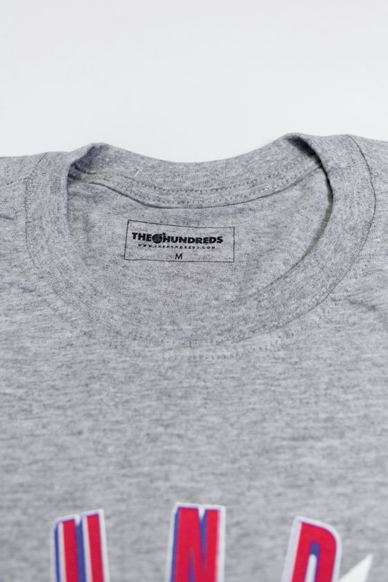 "CAMISETA THE HUNDREDS ""QUALITY"" CINZA"