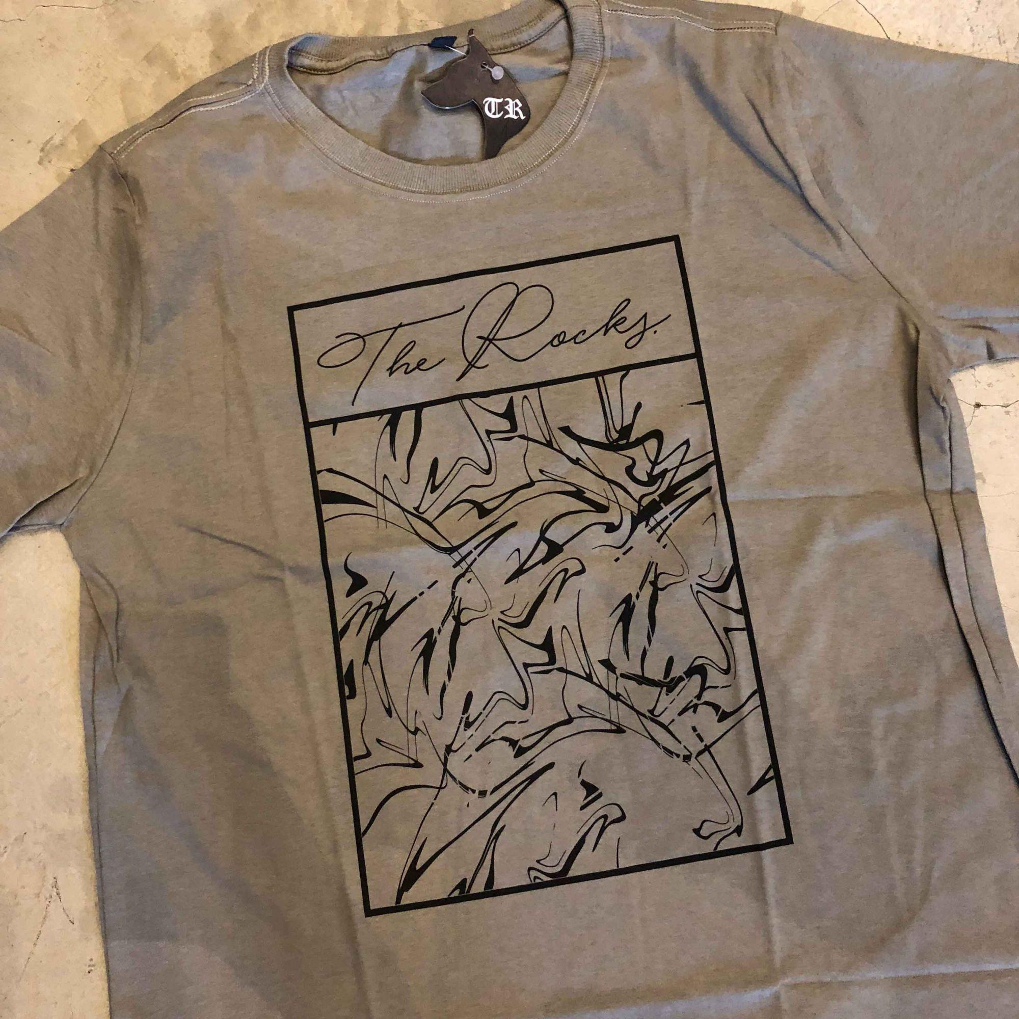 "Camiseta The Rocks ""Abstract"" Cinza Chumbo"