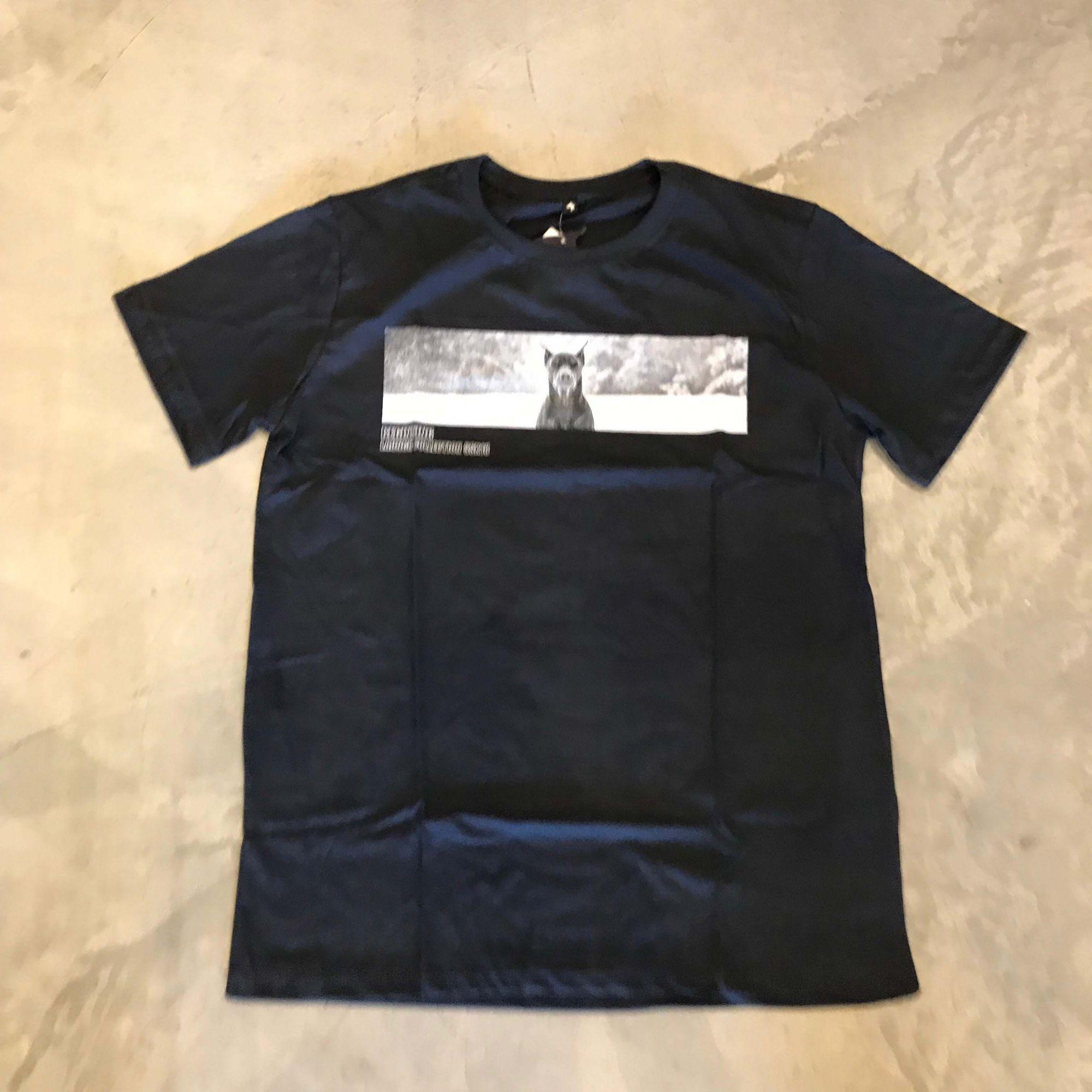 """Camiseta The Rocks """"Beginning 2"""" Azul Escuro"""