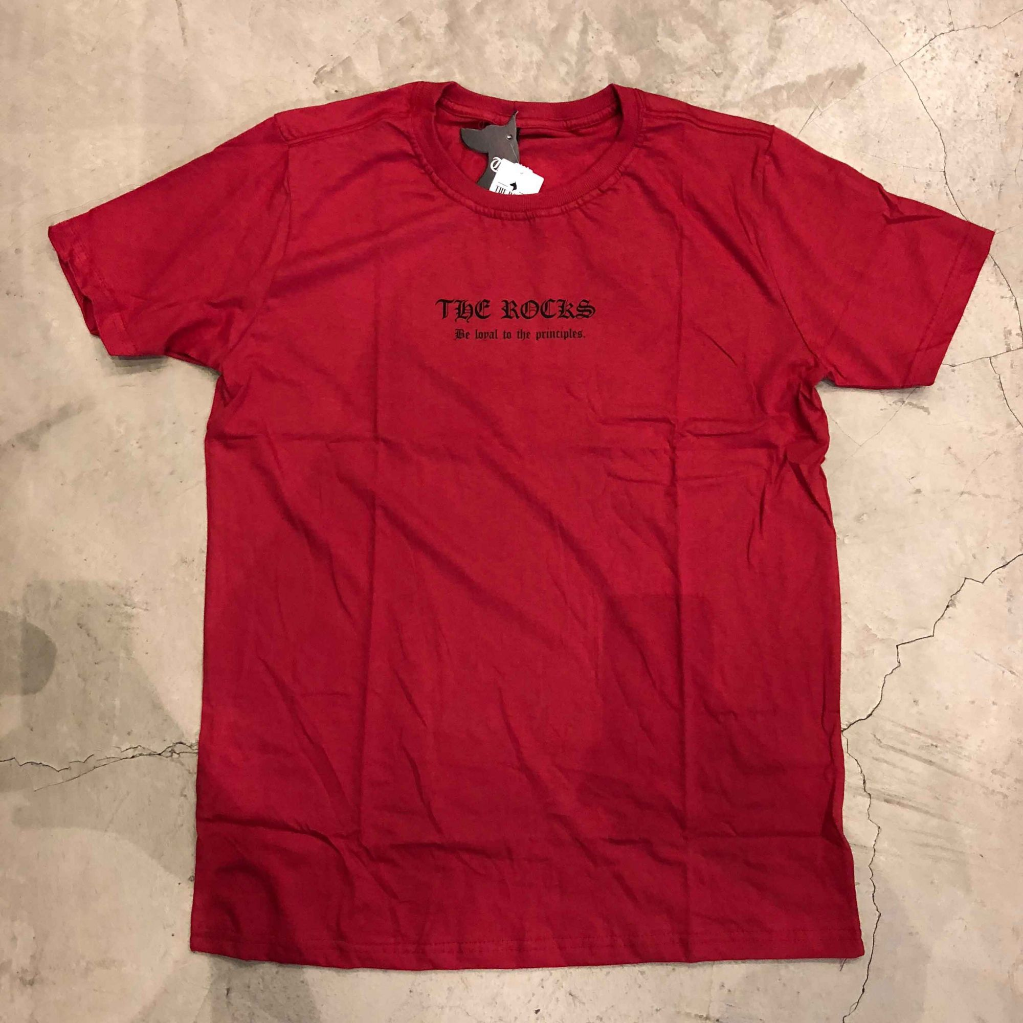 "Camiseta The Rocks ""Diana Busted"" Vermelho"