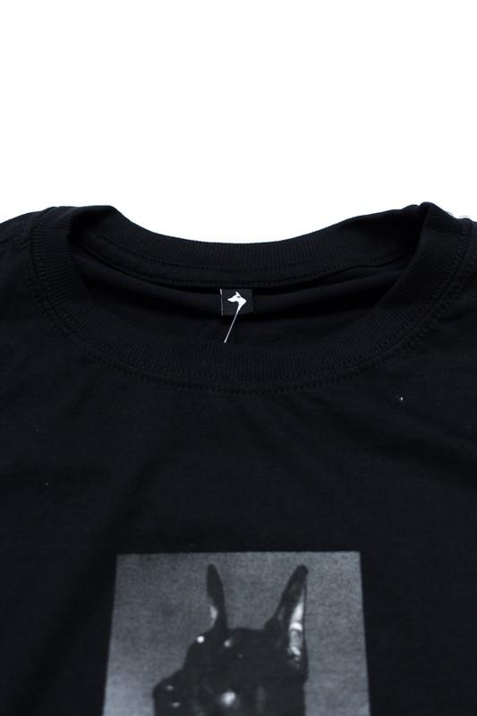 """Camiseta The Rocks """"Emplacement"""" Preta"""