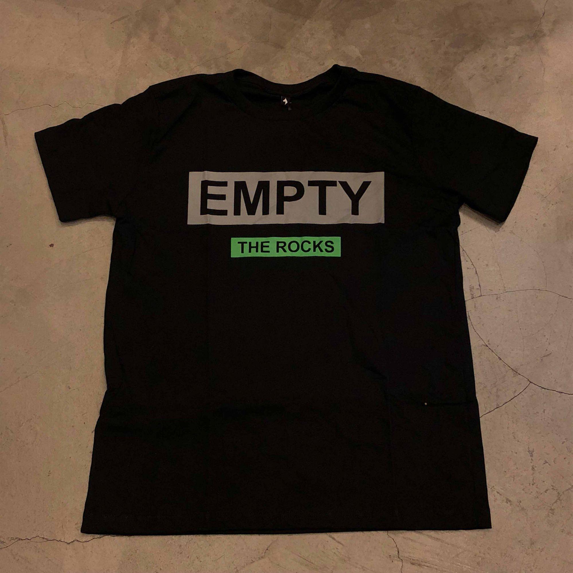 "Camiseta The Rocks ""Empty"" Preta"