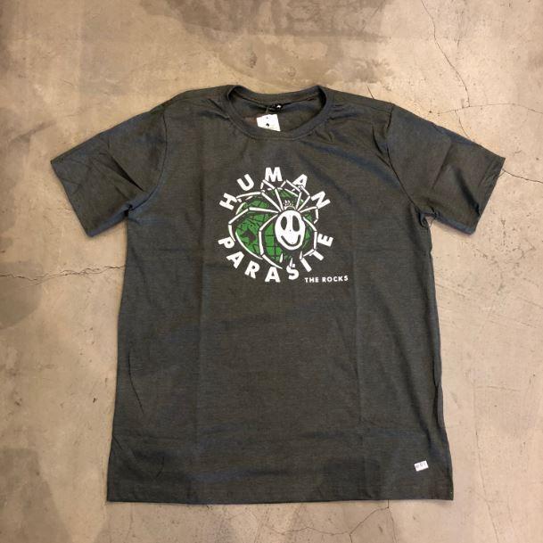 "Camiseta The Rocks ""Human Parasite"" Cinza"