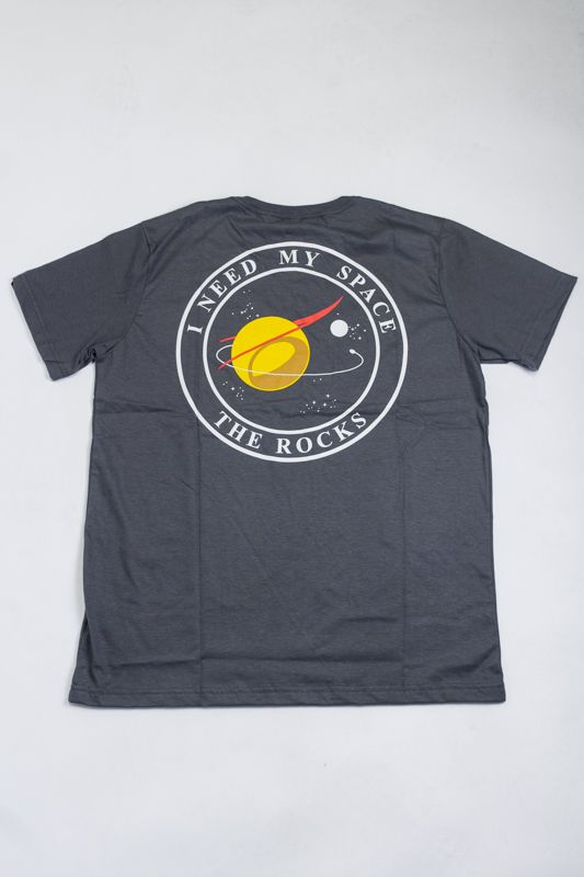 "CAMISETA THE ROCKS ""I NEED MY SPACE"" CINZA"