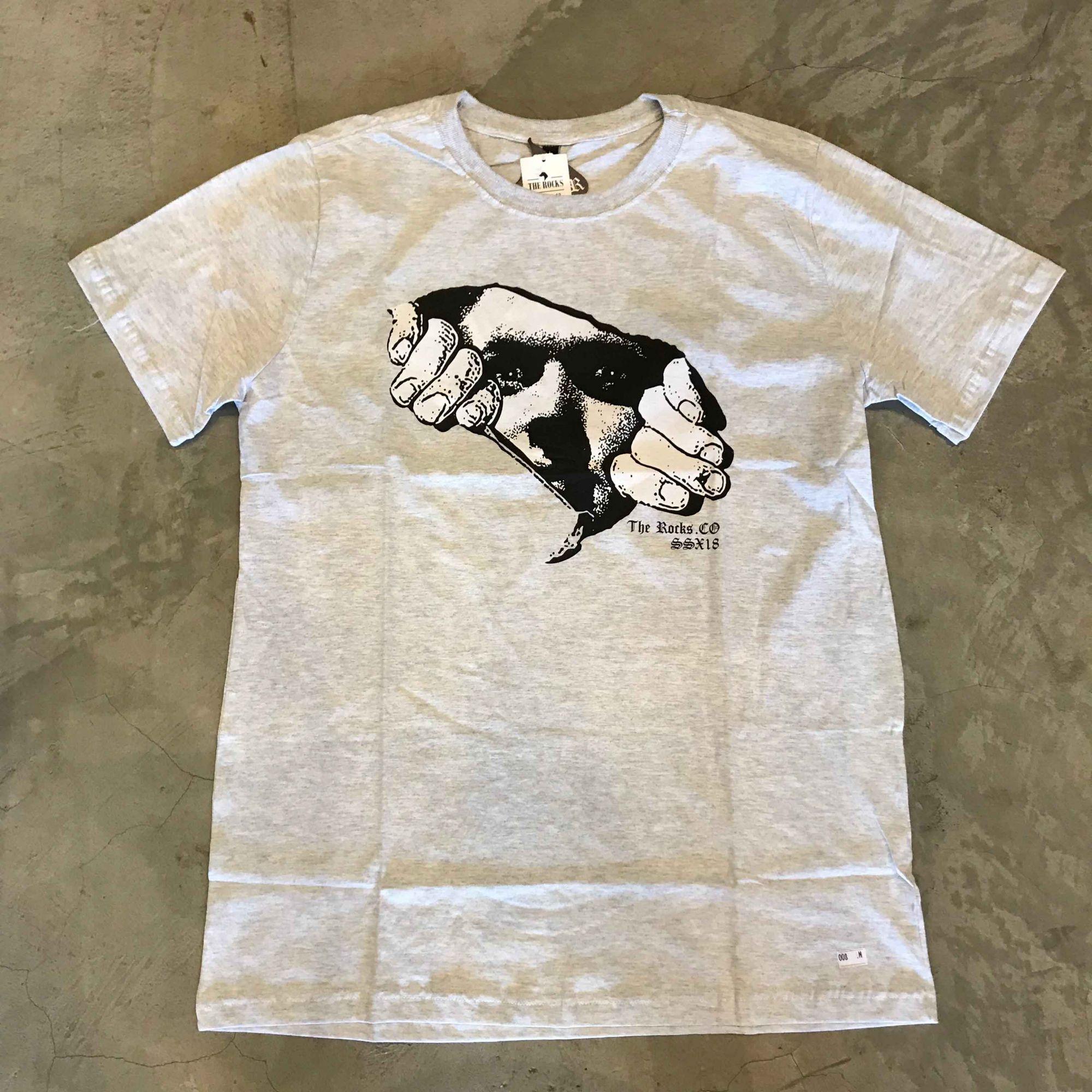 "Camiseta The Rocks ""Leaving The Stone 2"" Cinza Claro"