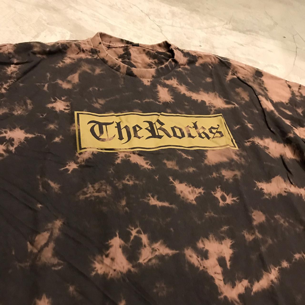 "Camiseta The Rocks ""Logo Box"" Tie Dye"