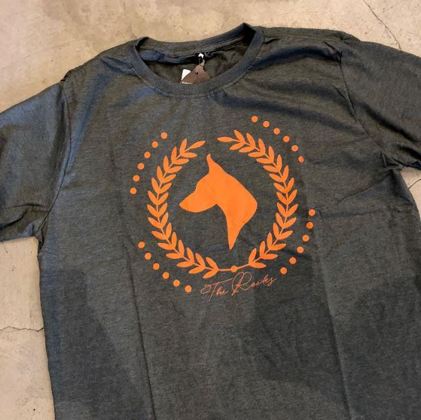 "Camiseta The Rocks ""Logo Greek"" Cinza"
