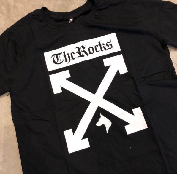 "Camiseta The Rocks ""OFF"" Preta"