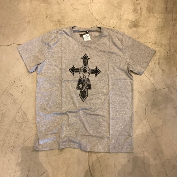 "Camiseta The Rocks ""Tag Cross"" Cinza"