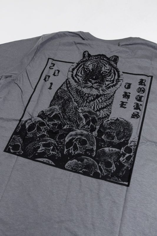"CAMISETA THE ROCKS ""TIGER DISORDER"" CINZA ESCURO"