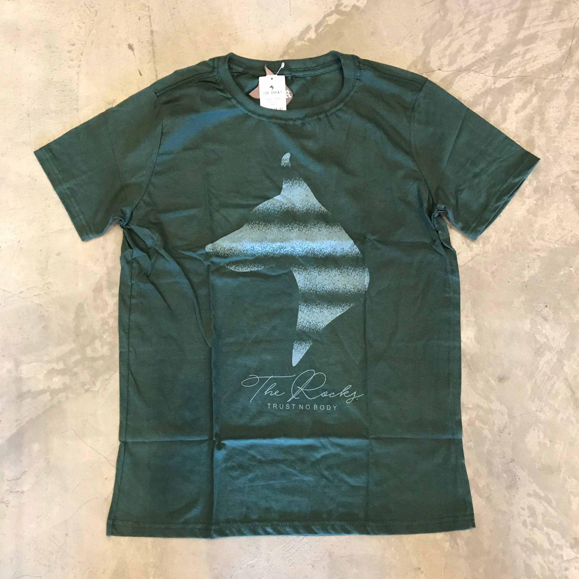 "Camiseta The Rocks ""Trust Nobody"" Verde"