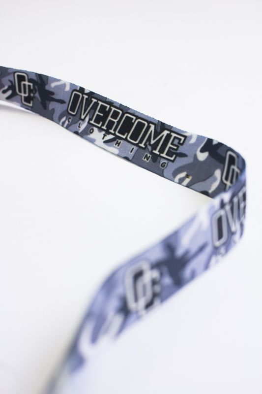 "Chaveiro Overcome ""Logo"" Ice Camo"