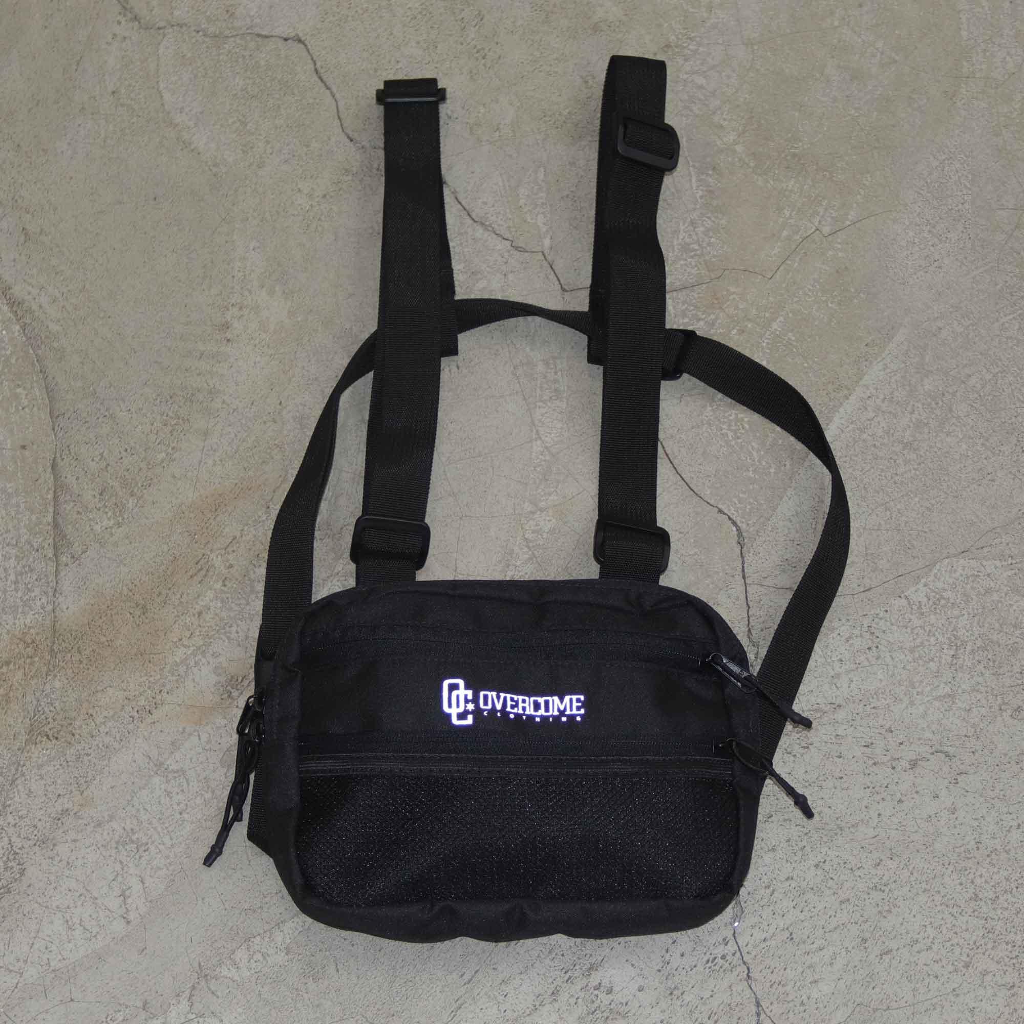 """Chest Bag Overcome """"Logo"""" Preta"""