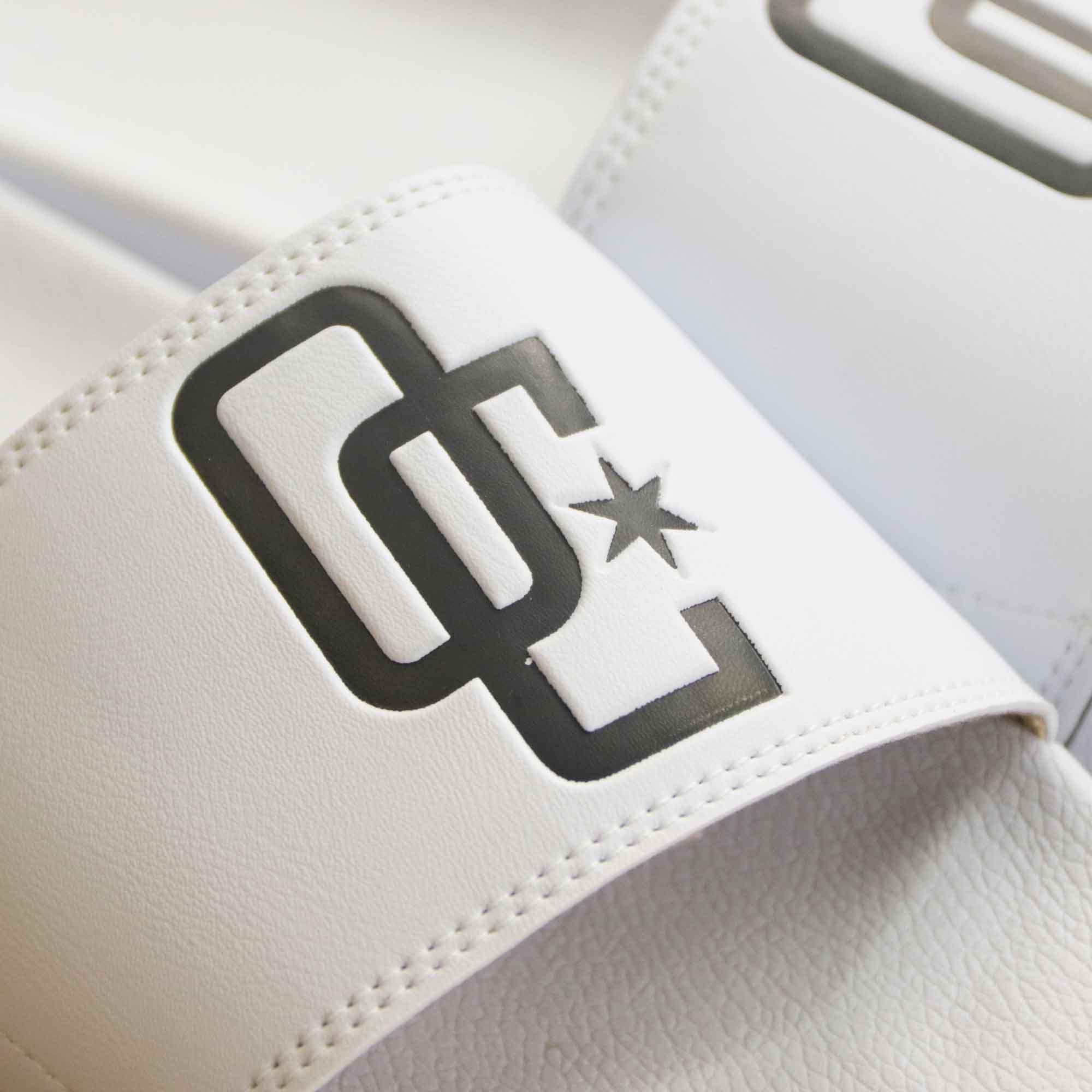 "Chinelo Overcome ""Logo"" Branco"