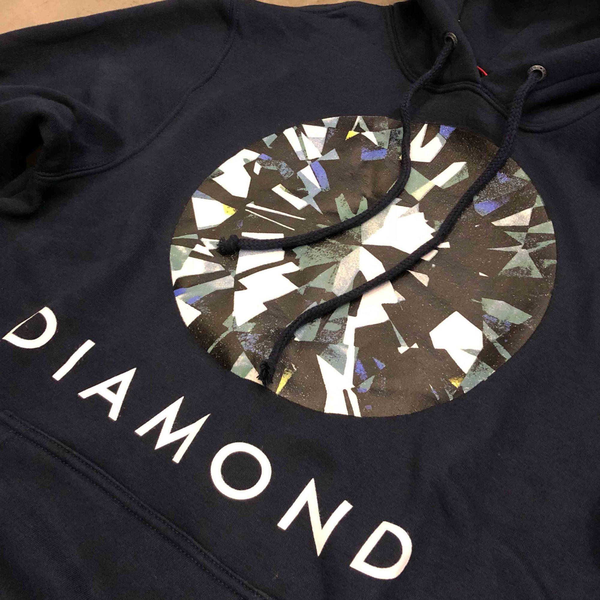 "Moletom Diamond ""BRIGHT""  Azul Marinho"