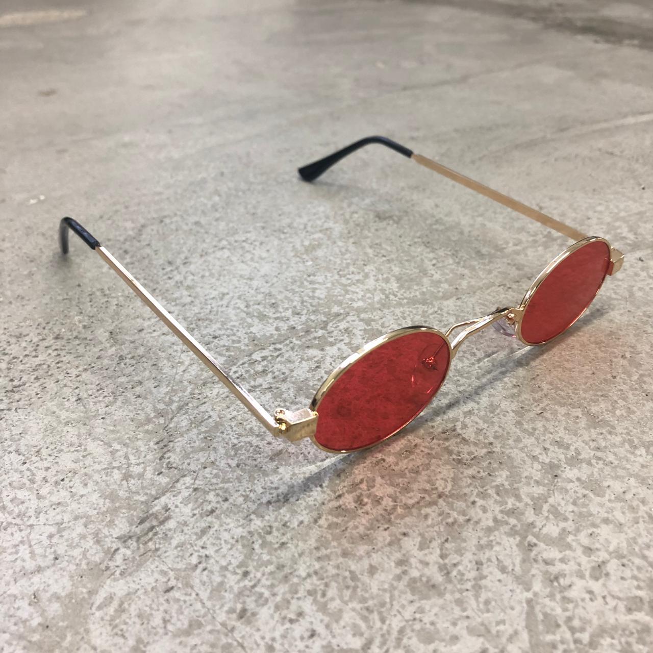 """Óculos Vintage """"JLennon"""" Dourado/Vermelho"""