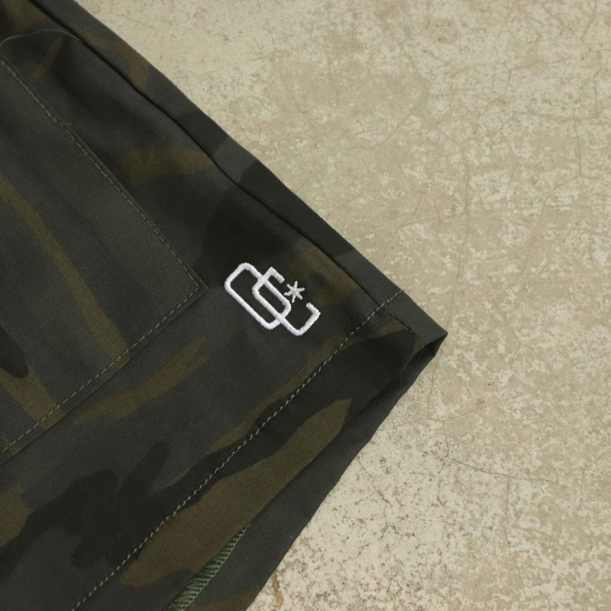 "Shorts Overcome Feminino Cargo ""Logo"" Camo"