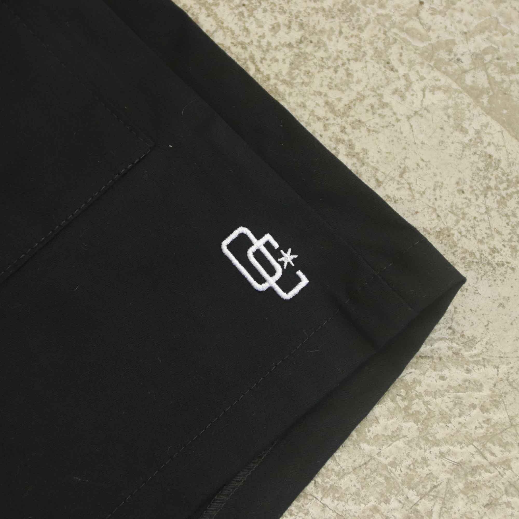 "Shorts Overcome Feminino Cargo ""Logo"" Preto"
