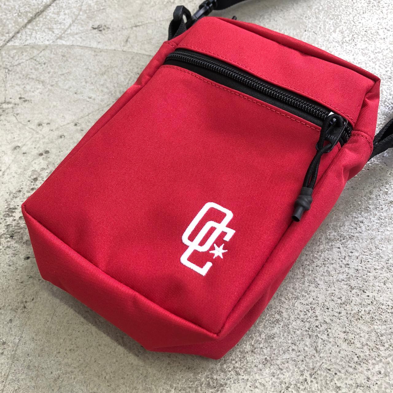 """Shoulder Bag Overcome """"Logo"""" Vermelha"""