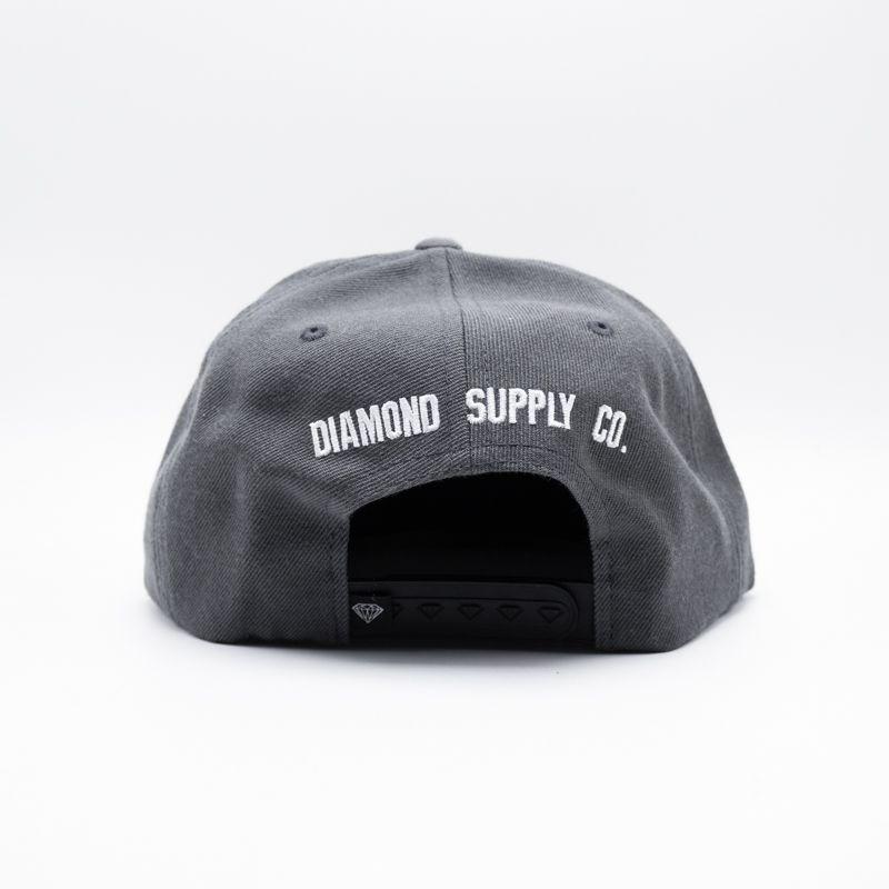 "SNAPBACK DIAMOND ""D"" CINZA"