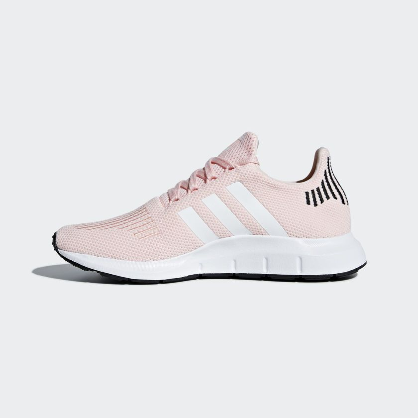 Tênis Adidas Swift Run W - Overcome Clothing d35c5c7e49571