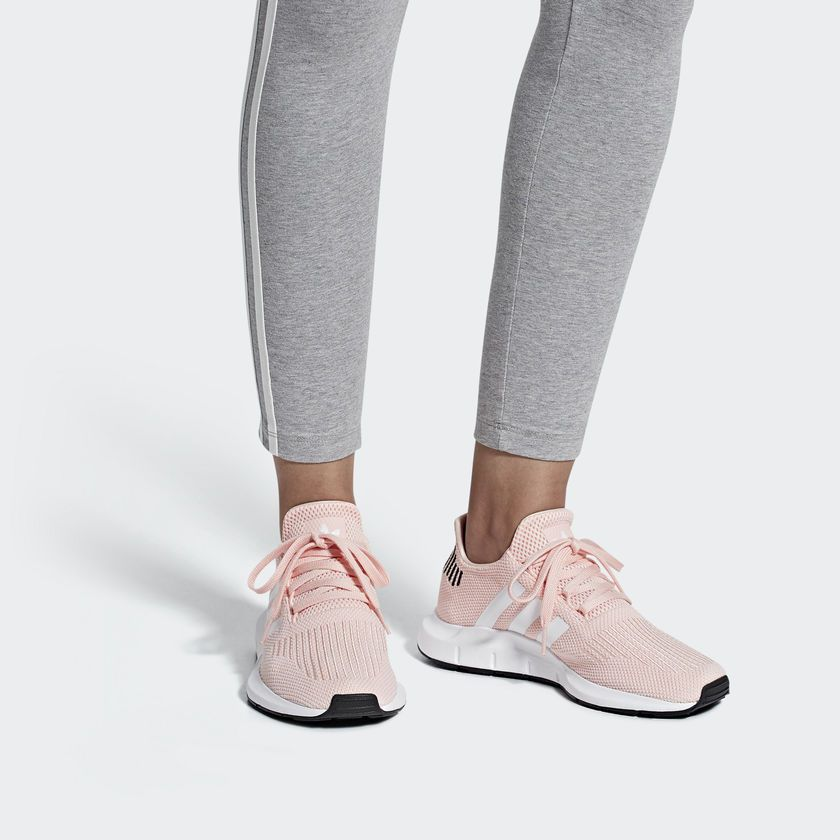 Tênis Adidas Swift Run W - Overcome Clothing c767ffa3b59e6